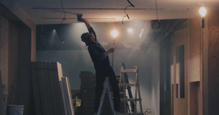 Construction immobilière : qui doit souscrire la décennale ?