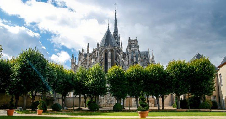 Quelles sont les villes périphériques d'Orléans où l'investissement immobilier est une bonne affaire ?